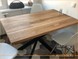 Темный стол из цельного массива дерева, бук