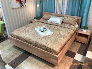 Большая кровать из массива бука