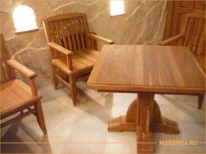 Стол и два стула из массива дерева в экостиле